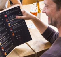 Nationaal Bieronderzoek: men kiest op smaak en durft anders te drinken